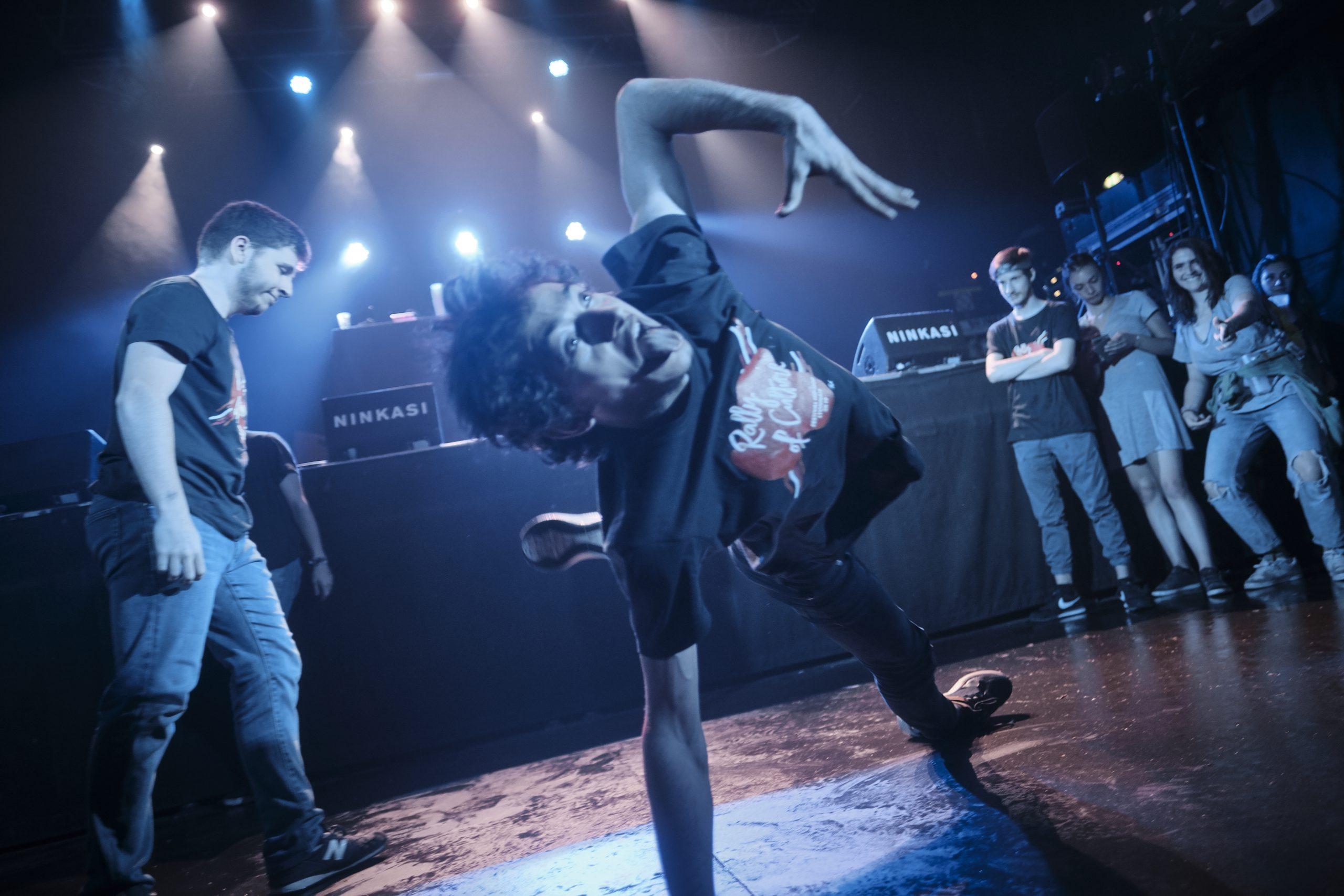 cours de danse bboying break dance avec Ziks à Takamouv lyon centre hip hop