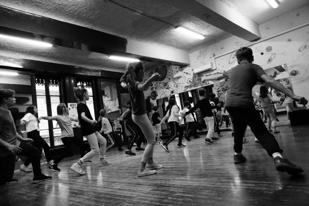 stage enfant danse rap graff hip hop vacances scolaires activite à takamouv lyon centre